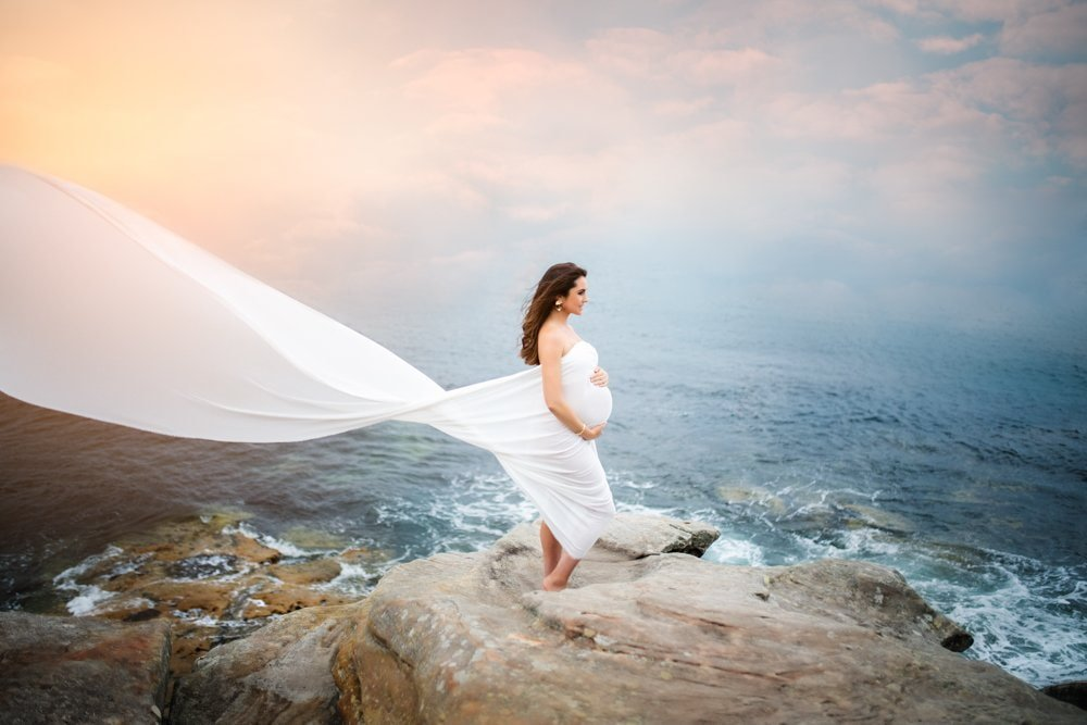 maternity photo shoot in beach